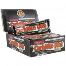 Universal Nutrition, Диетические батончики без сахара со вкусом шоколадного пирожного Doctors CarbRite, 12 батончиков, 2 унции (56,7 г) каждый